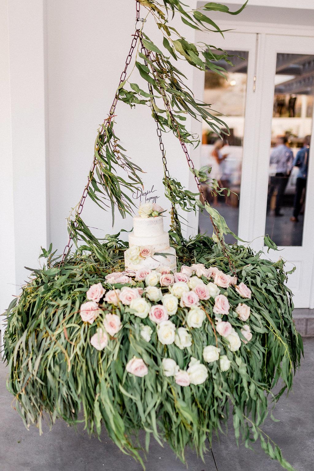 Wedding cake swing, 2018
